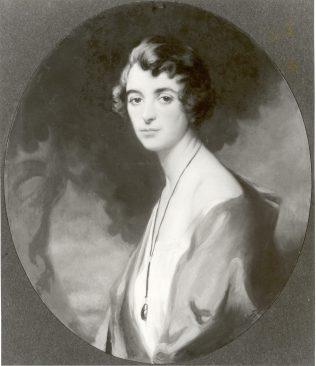 Mrs Beatrice Lewis