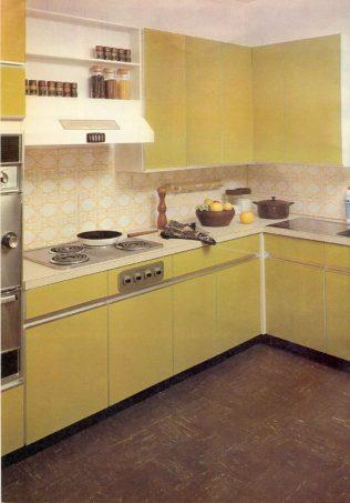 1974 Jonelle fitted kitchen