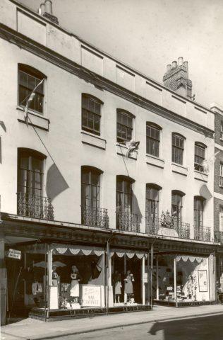 Caleys exterior, 1940-1944