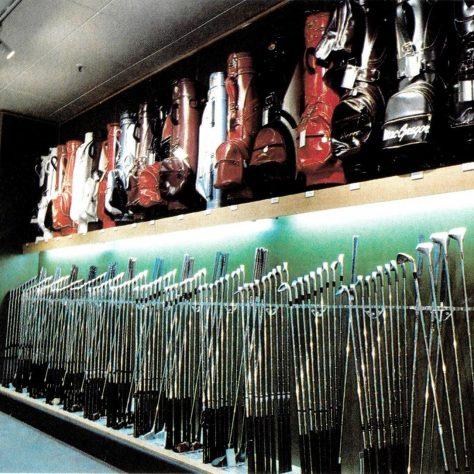 Everything for the modern golfer: a massive golfing range