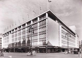 The exterior of John Lewis on Oxford Street, 1960