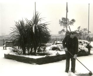 Snow on the roof garden of John Lewis, 1989