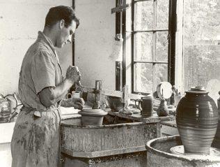 Frank Spindler spinning at Odney Pottery, 1949