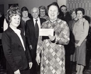 Presentation of cheque 1980. | From the private collection of J. Glenister.