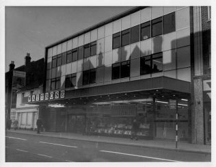 Waitrose Slough after opening, 1963 | John Lewis Partnership Archives - Ref. 2855/v/v