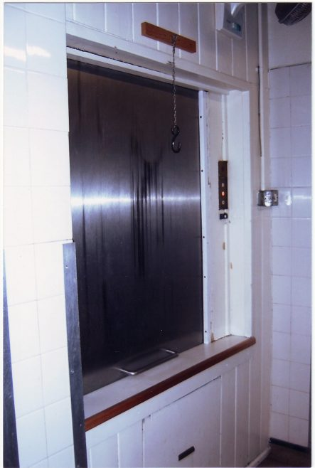 Kitchen /Dining room /rest room lift to deliver dishes up and down between the different levels.