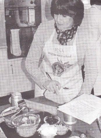 Studio demonstrator, Maggie Tanton