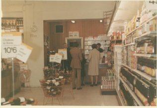 The cigarette kiosk | Terry Hammond
