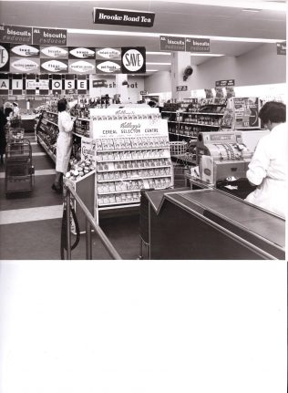 Chiswick checkouts 1960 | John Lewis Partnership archives