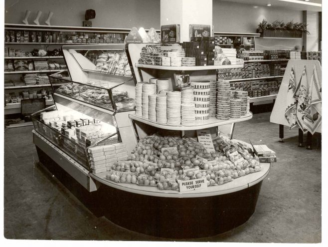 Streatham central display unit 1955 | John Lewis Partnership archive collection